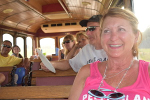 2015 LEAMINGTON WINE TROLLEY TOUR FUN (13)