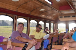 2015 LEAMINGTON WINE TROLLEY TOUR FUN (16)