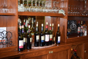 2015 LEAMINGTON WINE TROLLEY TOUR FUN (2)