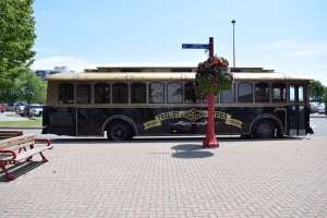2015 LEAMINGTON WINE TROLLEY TOUR FUN (5)
